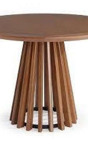 Mesa de madeira com tampo redondo