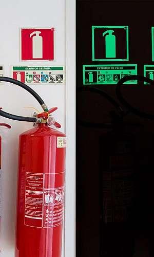 Placa de identificação de extintor de incêndio